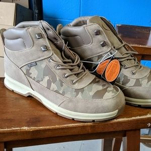 Size 13 lugz insulated boots